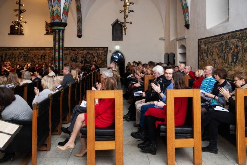 GALERII |Tallinna Raekoja saalis kõlasid ligi 250 aasta vanused viiulid