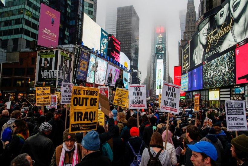 Kas maailm on suure sõja lävel? Rahvas mõistab Trumpi rünnakuhimu hukka