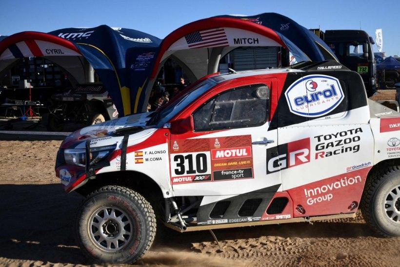 Kahekordne vormel 1 maailmameister tegi Dakari rallil salapärase avarii