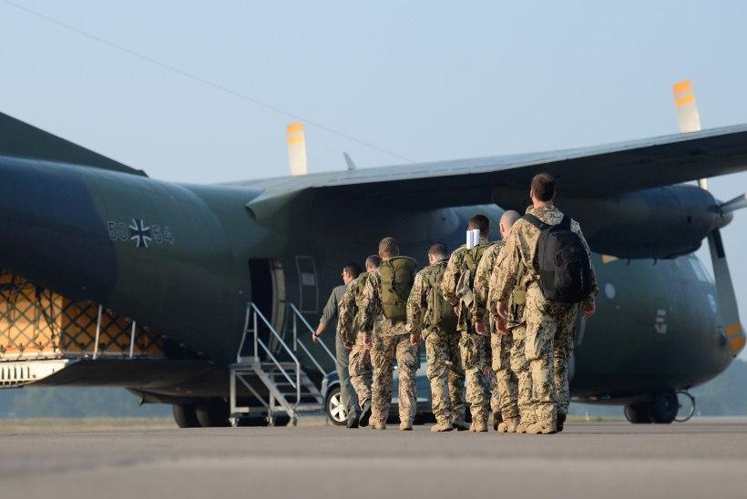 NATO viib osa sõdureid Iraagist välja, Eesti kaitseväelaste töö on riigis peatatud