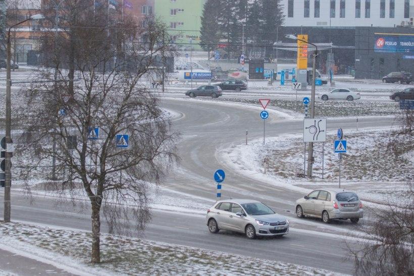 Vandenõuteooria: Tartu suurima liiklussõlme ehituse viibimise taga nähakse Keskerakonda