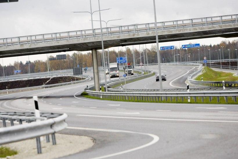 2 + 2 = EGO? Taavi Aas ja Jürgen Ligi ristavad piike: mitut sõidurada on põhimaanteedele vaja?