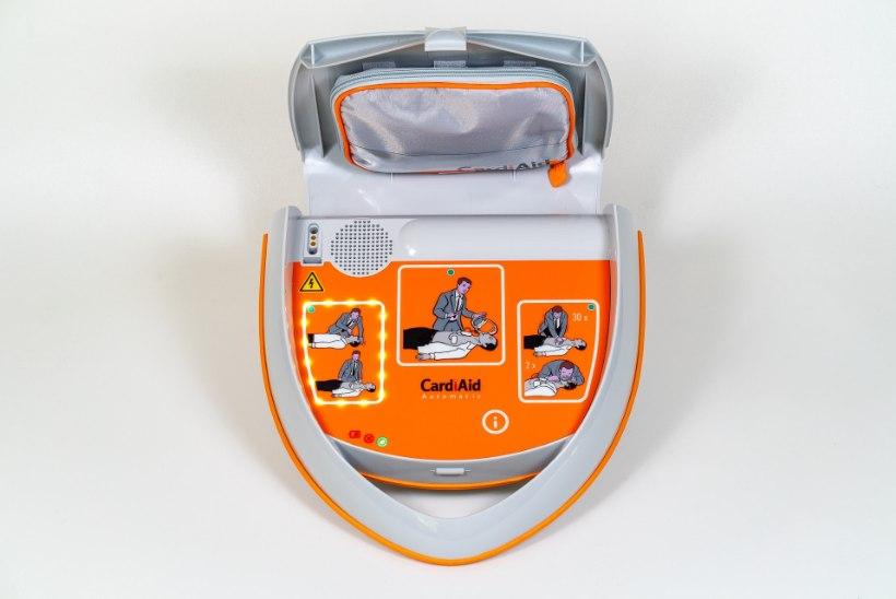 Südameseiskumise puhul on aega inimest päästa kõigest viis minutit – enne kiirabi saabumist aitab seda teha AED seade!