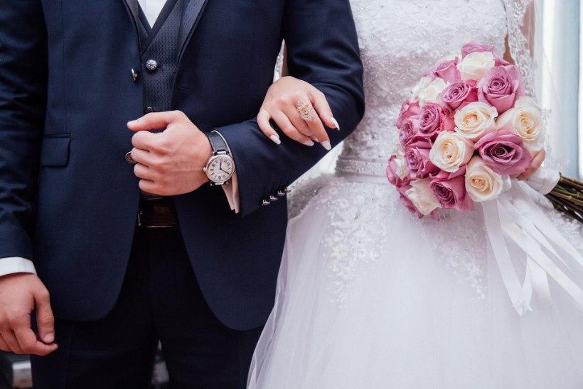 NUMBRIMAAGIA: noorpaarid soovivad abielluda kuupäevadel 02.02.2020 ja 20.02.2020