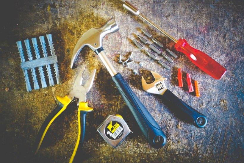 NIMEKIRI | Absoluutselt elementaarne: hädavajalikud tööriistad igas kodus