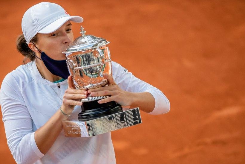 VÄLK SELGEST TAEVAST: Prantsusmaa lahtised võitis 19aastane suurüllataja, kes tegi Poola tennise ajalugu