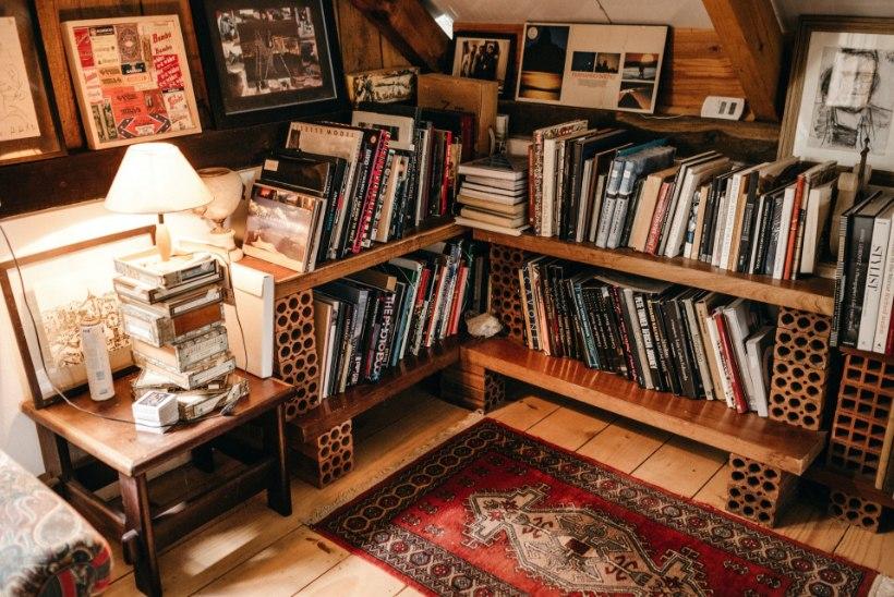 Staažikas restaureerija jagab nippe: kuidas koduse raamatukogu eest hoolt kanda?