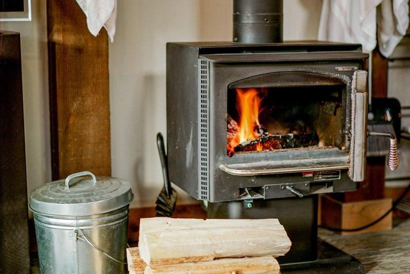 TOAD SOOJAKS OHUTULT! Korstnapühkija selgitab, kui sageli hooldada küttesüsteeme ja kuidas üldse õigesti kütta