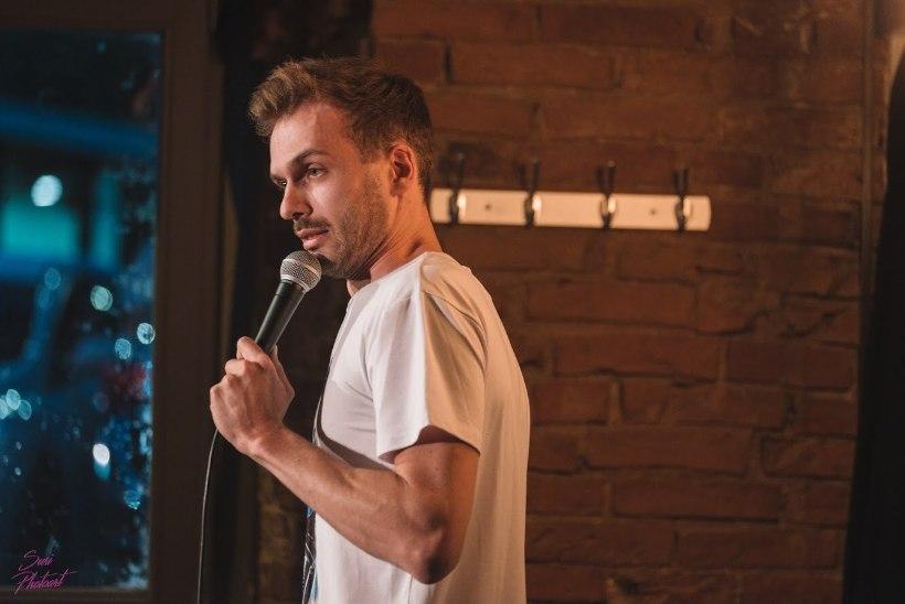 Koomik Ardo Asperk: ole sa torumees või arst, open mic'il loeb ainult see, kas sa suudad inimesed naerma ajada