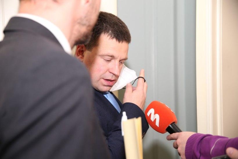 """GALERII   Koalitsioonijuhtkond otsustab Helme saatust: """"Tahate verd? Verd ei saa, verivorsti saate!"""""""