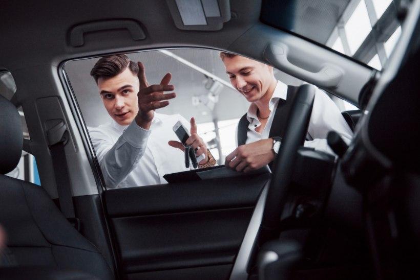 KINDLUSTA TARGALT | Auto müümine ja liikluskindlustuse kehtivus – millised on kõige sagedasemad küsimused ja kahtlused?