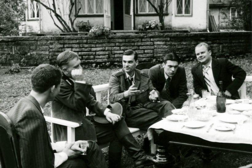 """""""Wikmani poiste"""" näitlejad olid nii näljas, et sõid filmis pakutava toidu enne esimest võtet ära"""