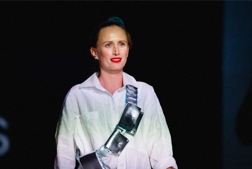 GALERII | Esmakordselt anti Kuldnõela galal välja parima aksessuaaride looja auhind Kuldne Nõelakoda, mille võitis Kadri Kruus