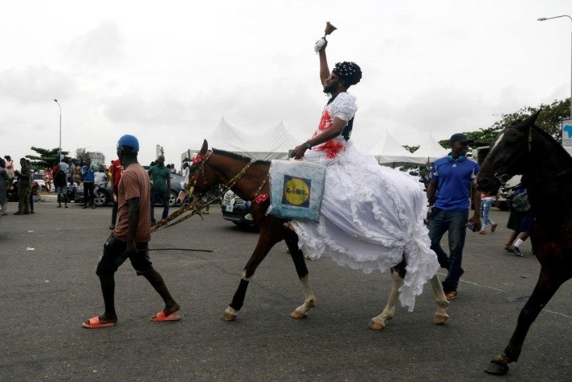 VEREGA KAETUD TÄNAV: Nigeeria sõdurid ja politsei tapsid vähemalt 12 meeleavaldajat
