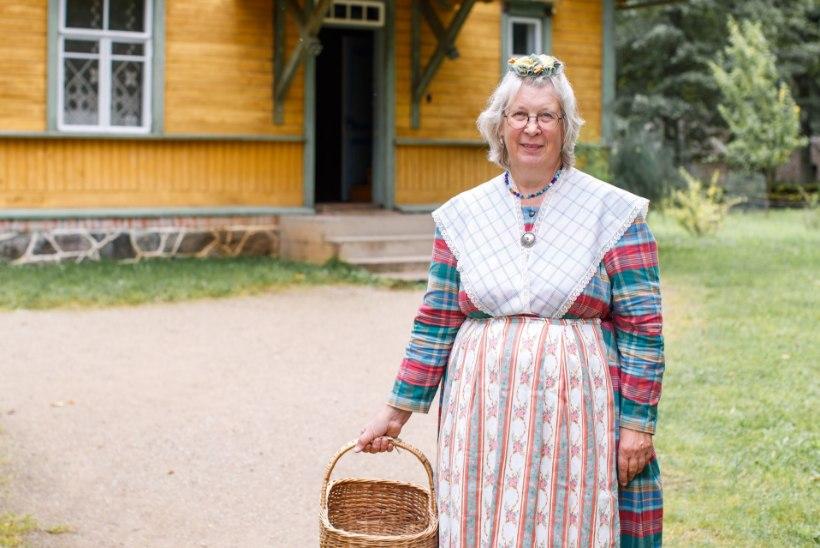 """MEISTRIGA TUTTAVAKS   Vanade pitsiliste rõivaste koguja Hilja Väravas: """"Erilised esemed hakkasid ise minu juurde tulema!"""""""