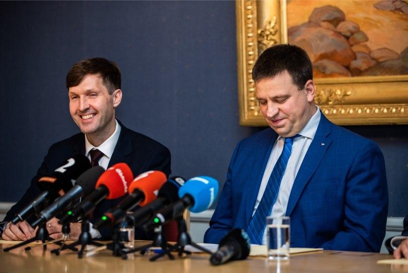 Peaminister Ratas saatis Martin Helmele tänutäheks tordi ja kaardi