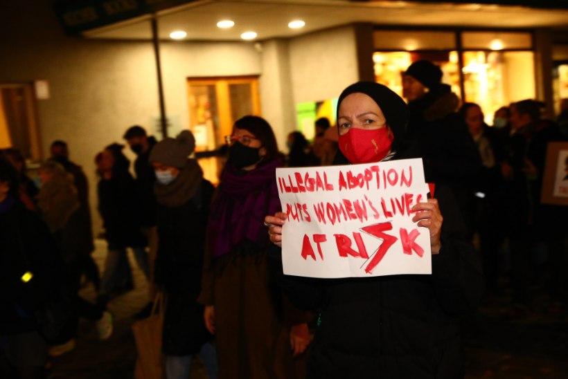 GALERII | Tallinnas avaldati toetust Poola naistele