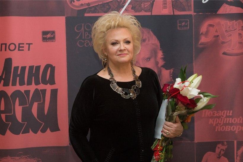 Anne Veski sai fännilt südamliku kingituse