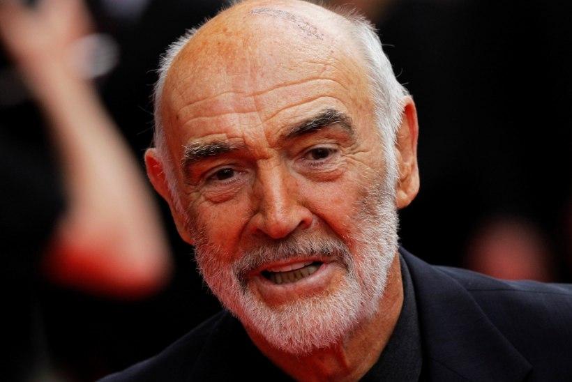 Sean Connery viimasel perefotol särab tema kuulus naerutuluke