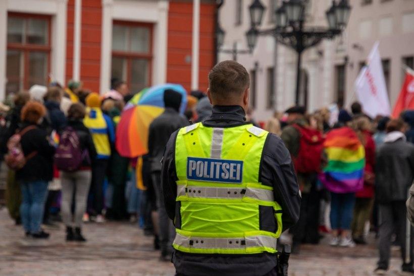 GALERII   Tartus avaldati toetust LGBT kogukonnale
