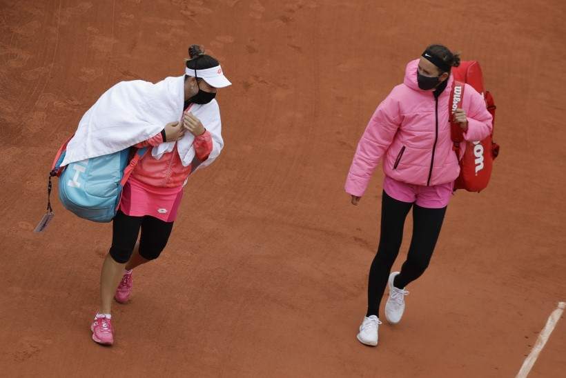 Tipptennisistid on vihased: Prantsusmaa lahtistel mängimiseks on liiga külm!
