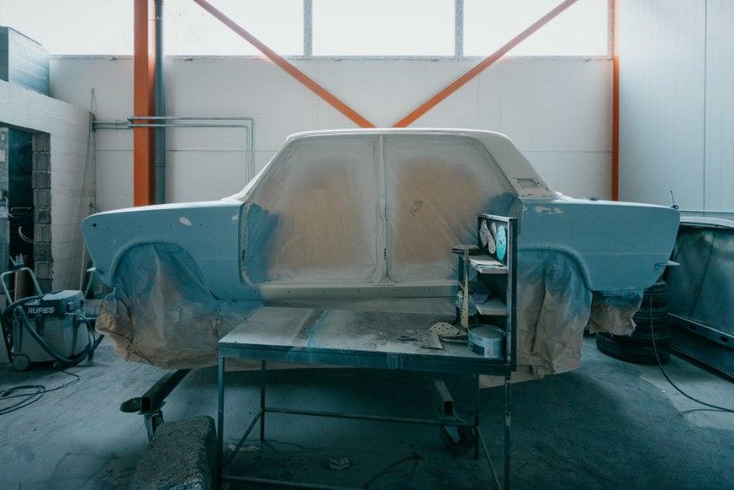 ÕL VIDEO | Kallis ja ajamahukas hobi: vene oligarhid käivad Eestis restaureerituid autosid luuramas