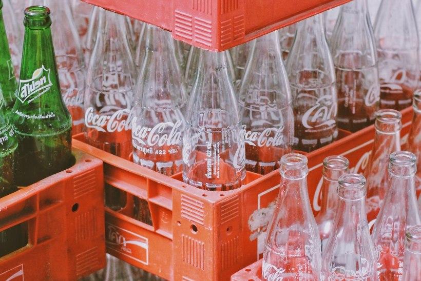 KORGIGA VÕI KORGITA? Kuidas siis ikkagi tuleks pudelid taaraautomaati pista?