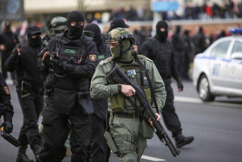 Minskis haaras miilits meeleavalduse tõkestamiseks relvad