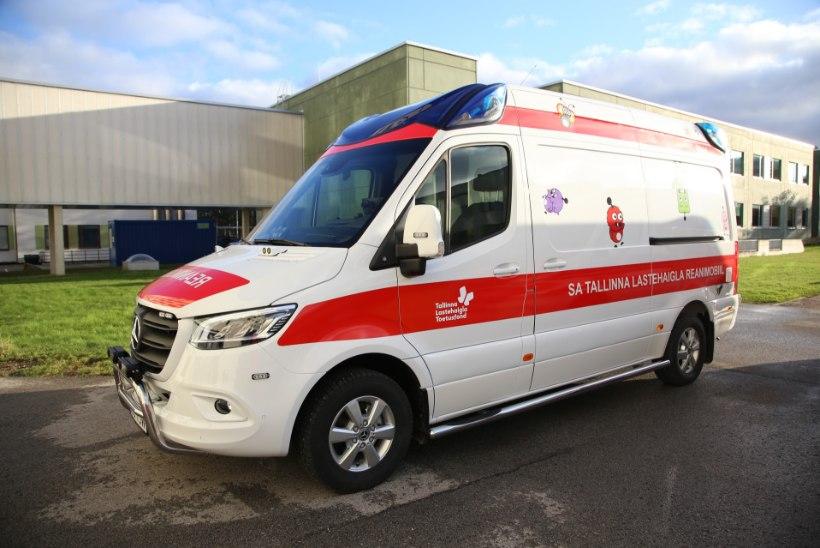 GALERII | Elu päästmisel loevad sekundid: lastehaigla sai tänu annetajatele uue reanimobiili