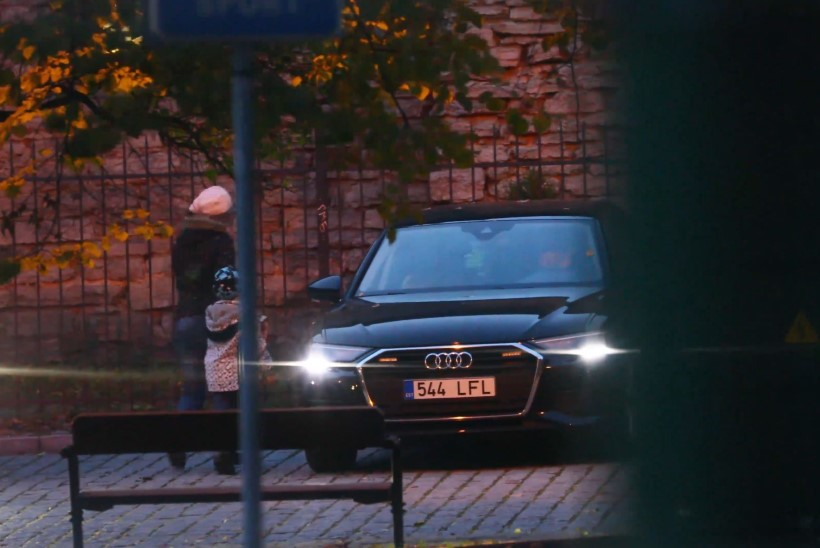 ÕL VIDEO | Ajakirjanduslik uurimus paljastab: minister Reps laseb oma lapsi maksumaksja kulul sõidutada