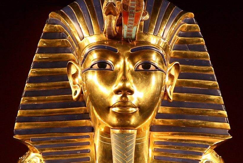"""Tutanhamoni hauakambri sissepääsu leidnud Carter: """"Ma leidsin suurepärase kinnise haua."""""""