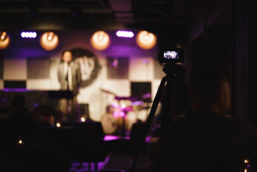ÜHE KLUBI LUGU | Reigo Ahven veebikontsertidest: tõmbasime õigel ajal saba ukse vahelt välja