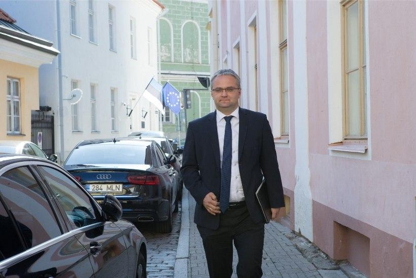 Riigikontrolör Janar Holm Mailis Repsi autoskandaalist: ajakirjanikud tegid oma tööd