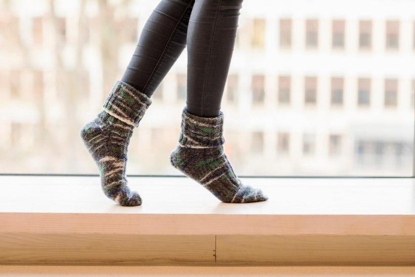 """INIMESED VAEVLEVAD AASTAID!  Neuroloog:  """"Rahutuid jalgu kiputakse pidama loomulikuks ega osata seda haiguseks pidada."""""""