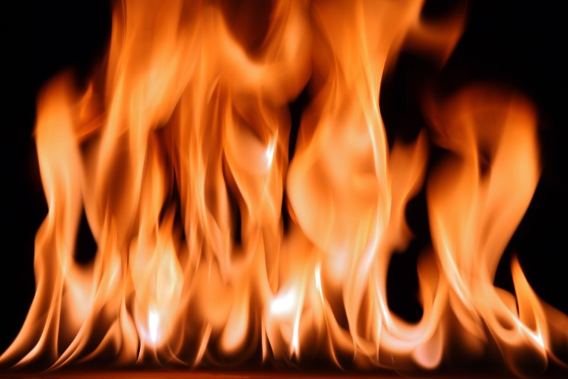 Tõnis Erilaiu lehesaba   Kuidas hädas noorik oma veimevaka põletas