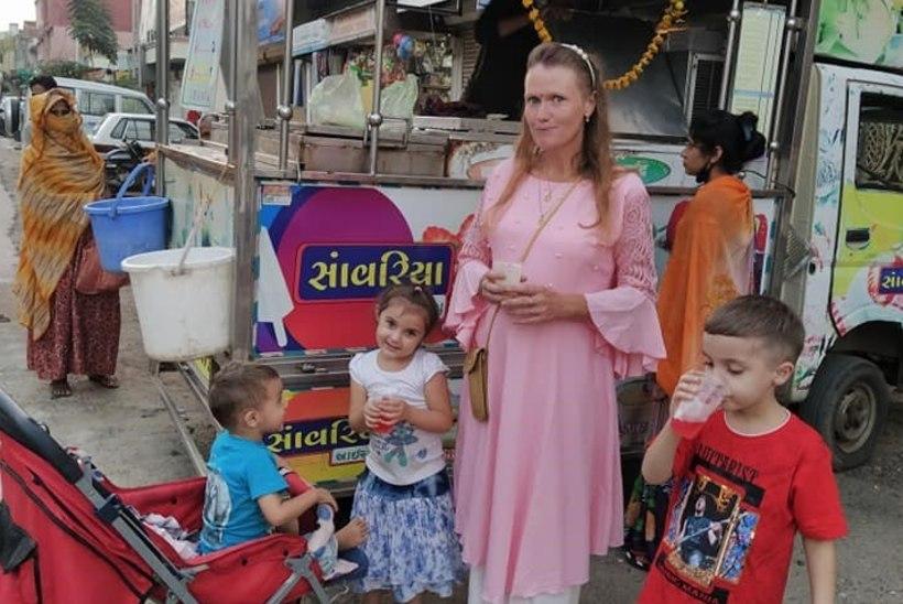 LÕPUKS KOHAL! Airi Vipulkumar Kansar pääses viimaks perega Indiast koju