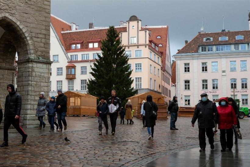 TÄNAVAKÜSITLUS | Kuidas veedate jõule – kodus perega või palmi all?