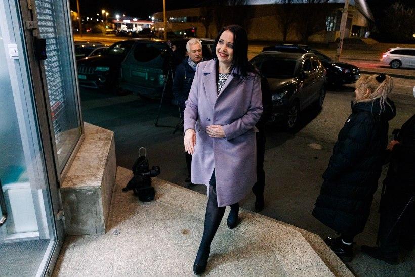 FOTOD   Uus minister Anneli Ott: tuleb tõsiselt kaaluda Estonia ülestõstmist