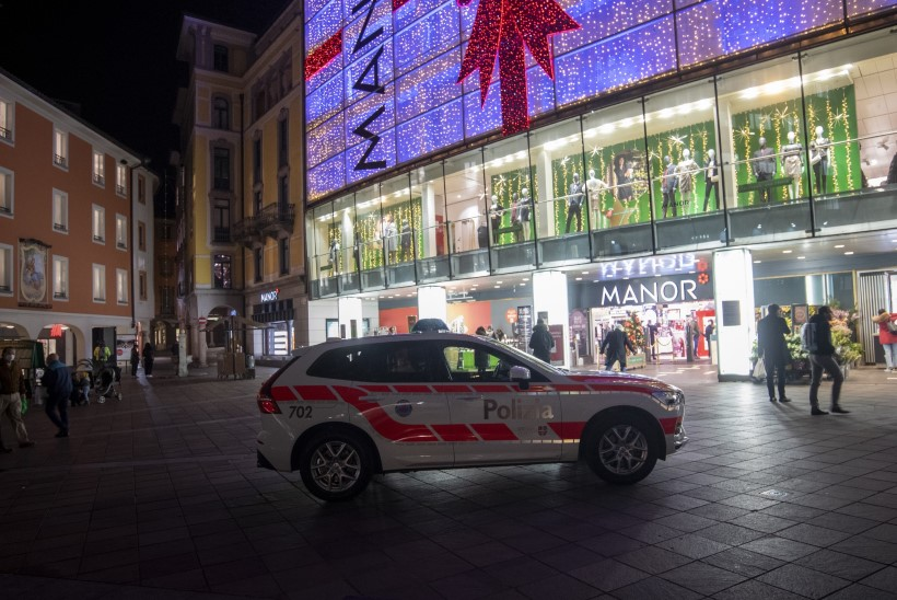 Šveitsi lõunaosas ründas oletatav naisterrorist kaht poodlejat