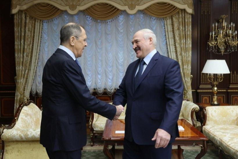 Aljaksandr Lukašenka: lahkun, kui kehtima hakkab uus põhiseadus
