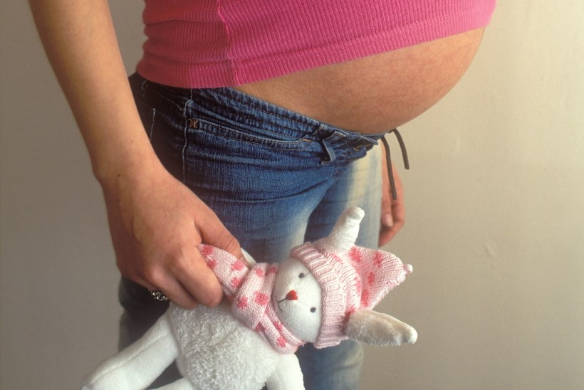 """KUI LAPSEL SÜNNIB LAPS: """"Kui ema sai teada, et kavatsen sünnitada, viskas ta mu kodust välja."""""""