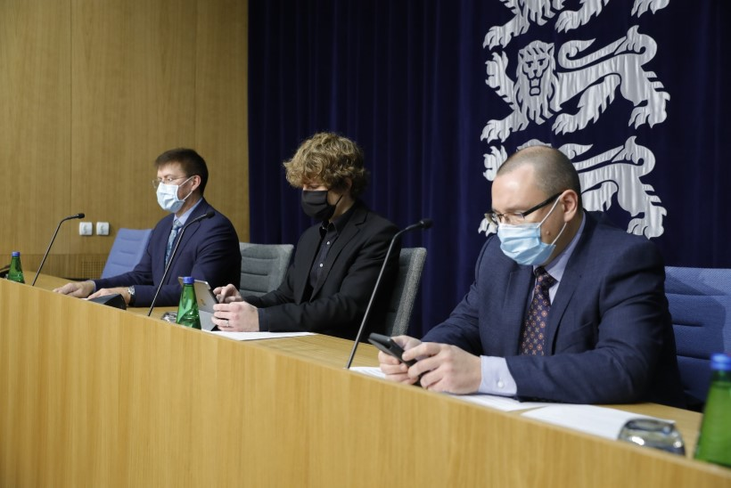 ALANUD ON EPIDEEMILINE LEVIK: lisandus 241 koroonapositiivset. Tanel Kiik: liigume kriisi suunas