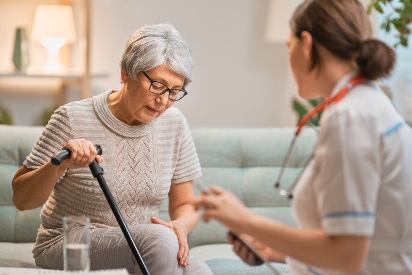 Hooldekodu juhataja: dementsuse all kannatavaid inimesi ei peaks kartma hooldekodusse panna!