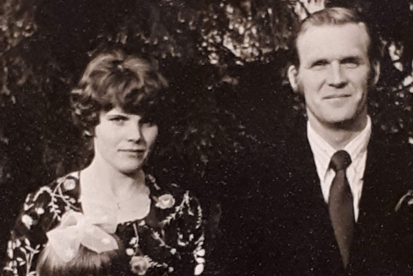 Annely Peebo juurtelugu: vanaema müüs lapselapsele pianiino ostmiseks mullika
