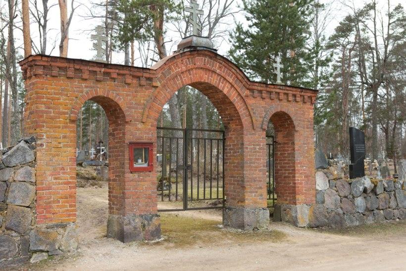 Etiketi asjatundja selgitab: kalmistul käies pea kinni neist kirjutamata reeglitest!
