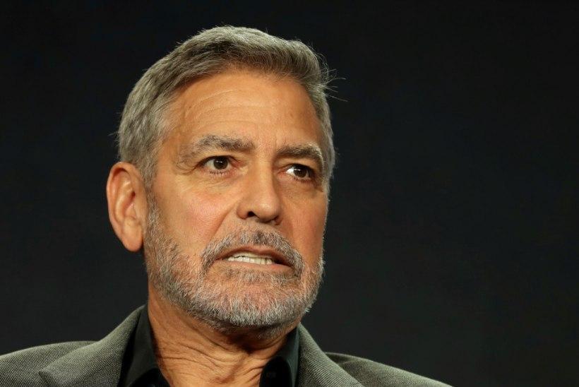 Filmirolli nimel 12 kilo alla võtnud Clooney viidi haiglasse