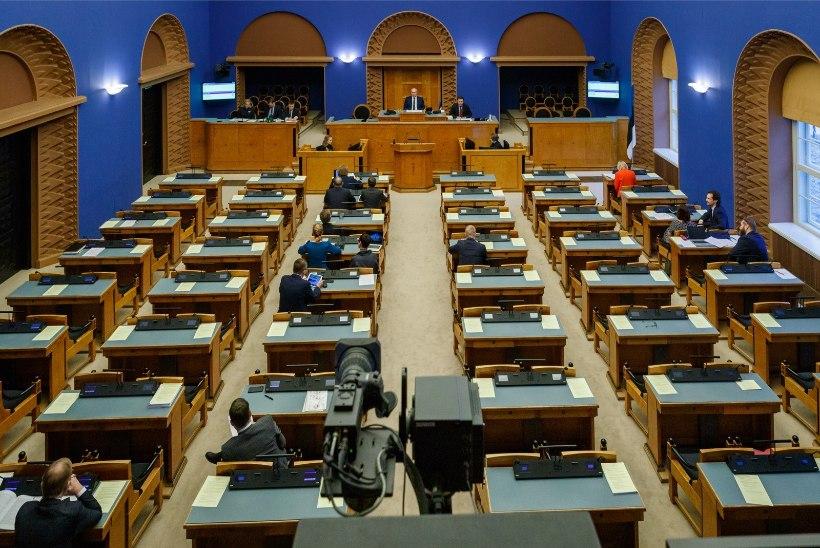 Sotside fraktsioonis on koroonakahtlus, riigikogu esmaspäevane istung võib toimuda kaugosalusega
