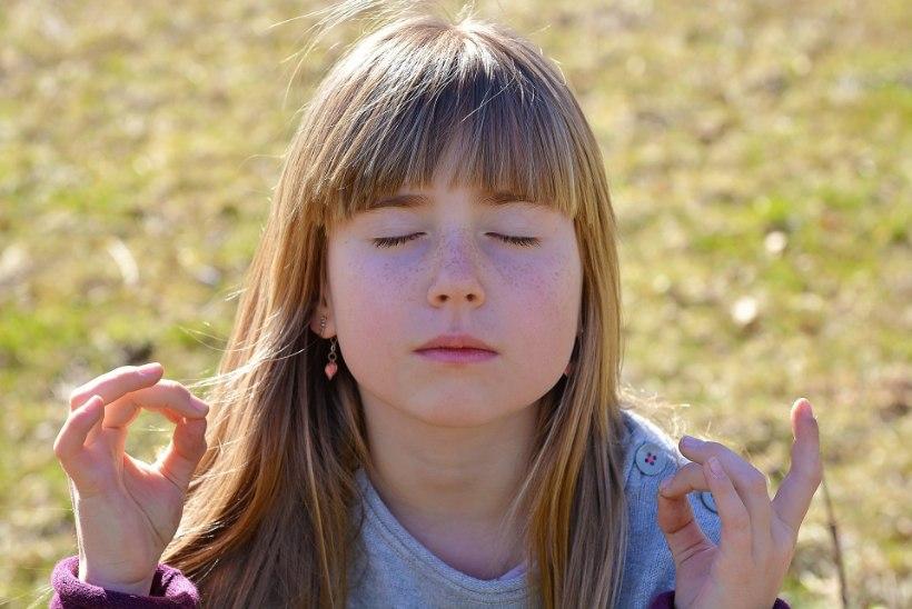 DISTANTSÕPE OHUSTAB NÄGEMIST: arst soovitab silmade säästmiseks 2-20-20 reeglit!
