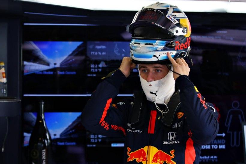 GALERII | Vips näitas oma esimesel vormel 1 testipäeval head minekut, kiireim oli vanameister Alonso