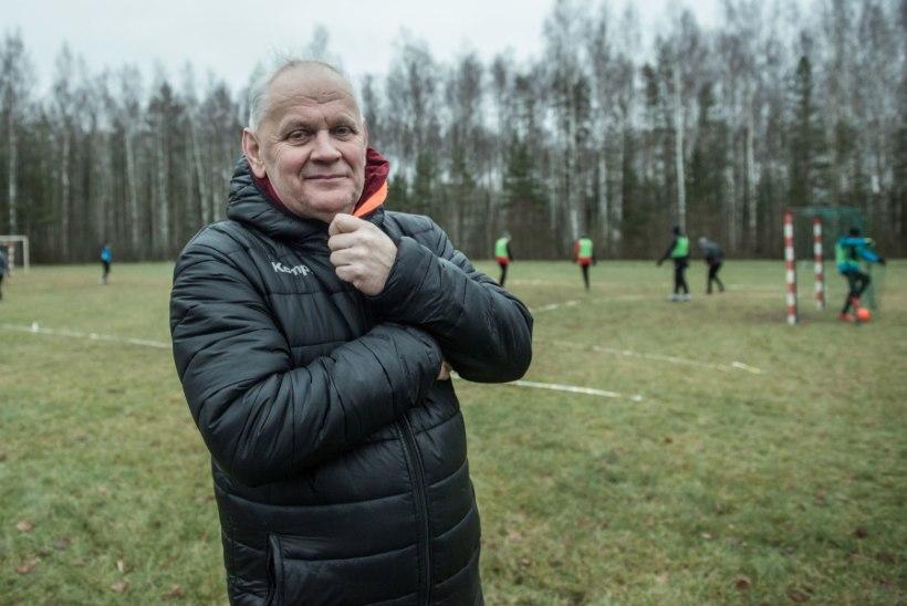 JUSTKUI TALIALA: Põlva käsipallurid kolisid olude sunnil soojast saalist konarlikule jalgpalliplatsile